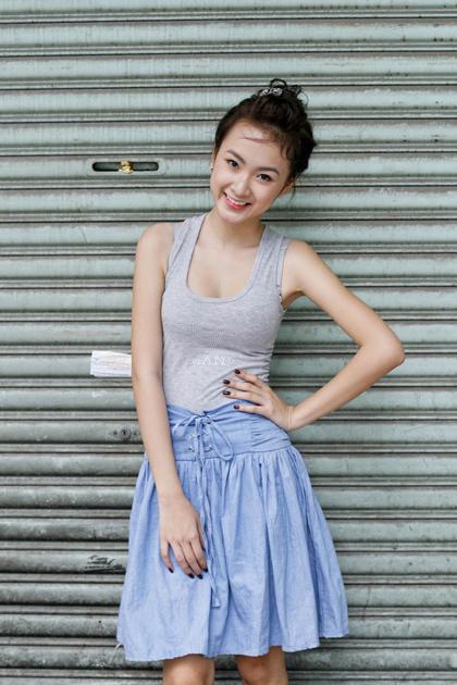 Angela Phuong Trinh sexy girl vietnam in SaiGon street ...