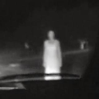 El Misterio de la mujer en la carretera