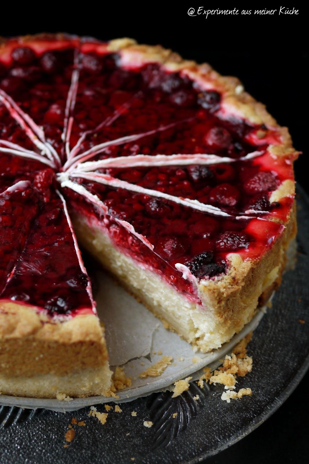 aus meiner Küche: Pudding-Schmand-Kuchen mit Himbeeren