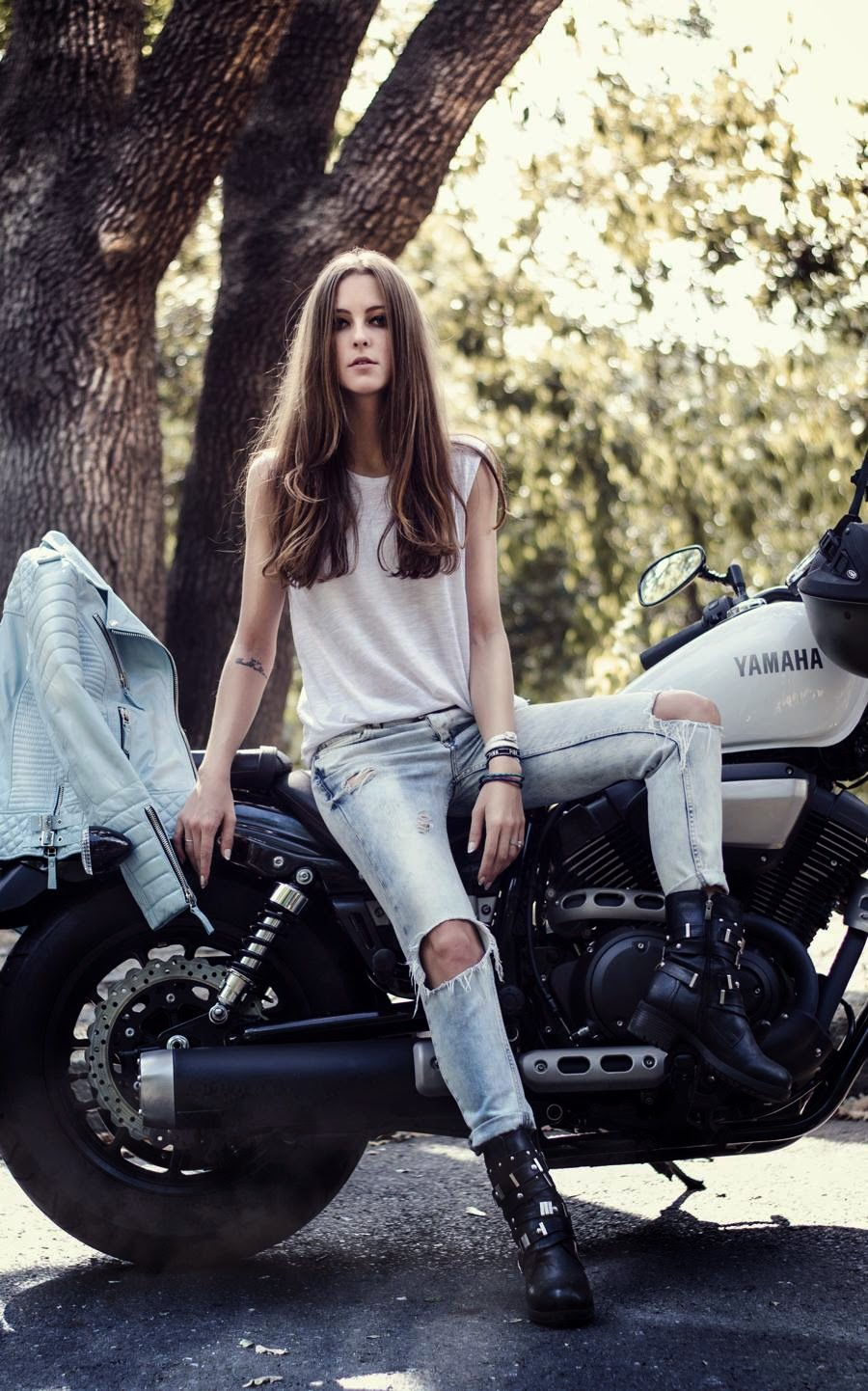 istanbul streetstyle, russian fashion blogger, girl biker outfit, black biker asos boots, boda skins mint leather jacket