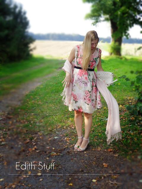 Problem ciążowo-ubraniowy czyli mała opowieść o tym jak spięłam dupę i uszyłam sobie wymarzoną kieckę!