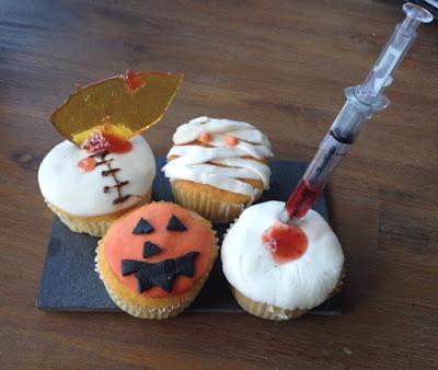 Halloween DIY: griezelige cupcakes