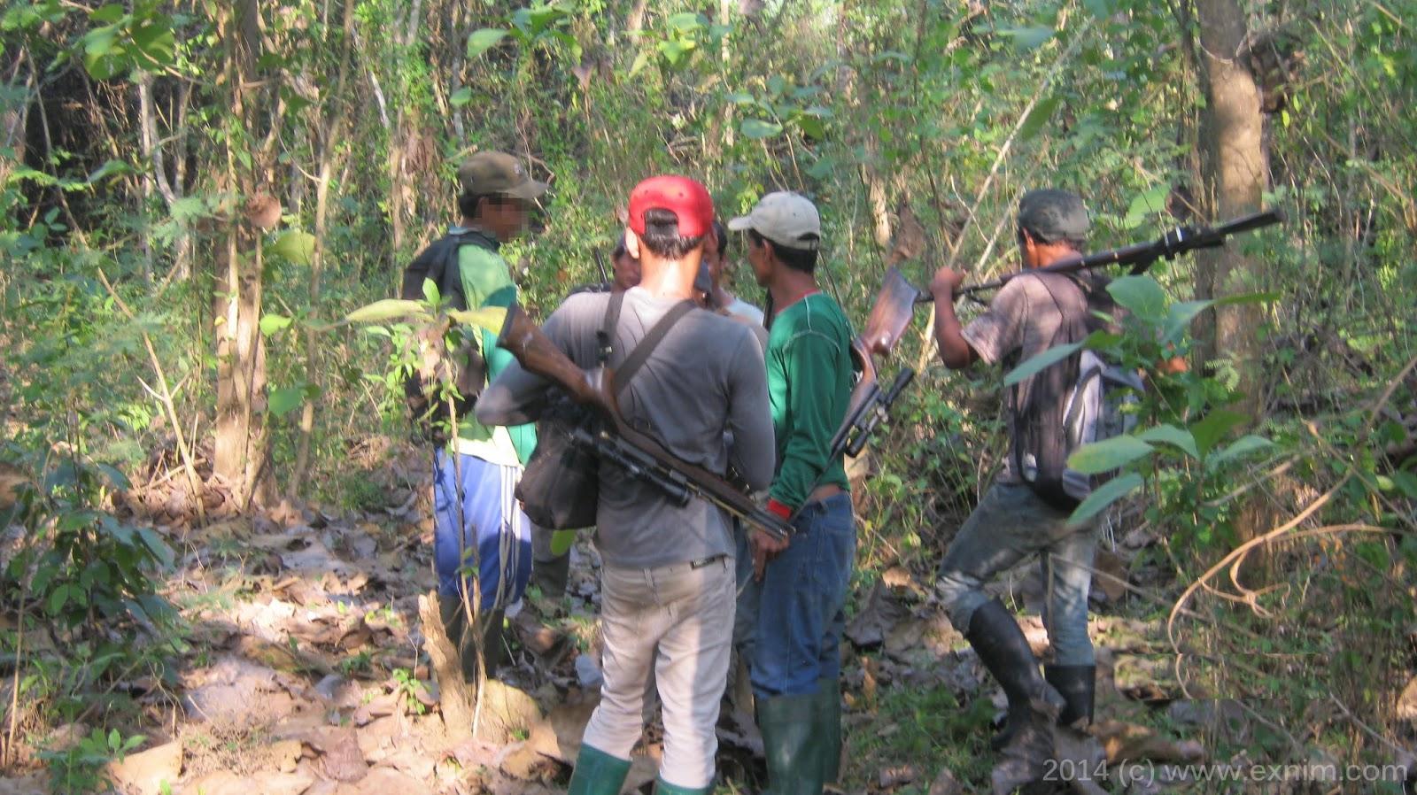 Tim pemburu sedang briefing