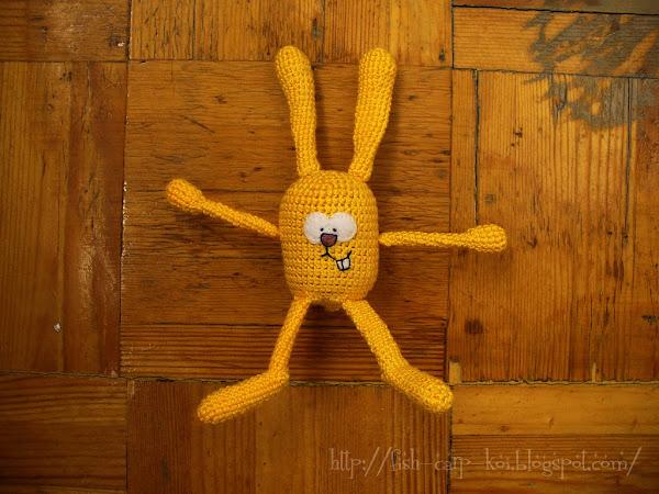 Игрушка-погремушка, связанная крючком - солнечный заяц