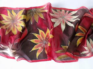virágos női sálak selyemből, trópusi virágokkal