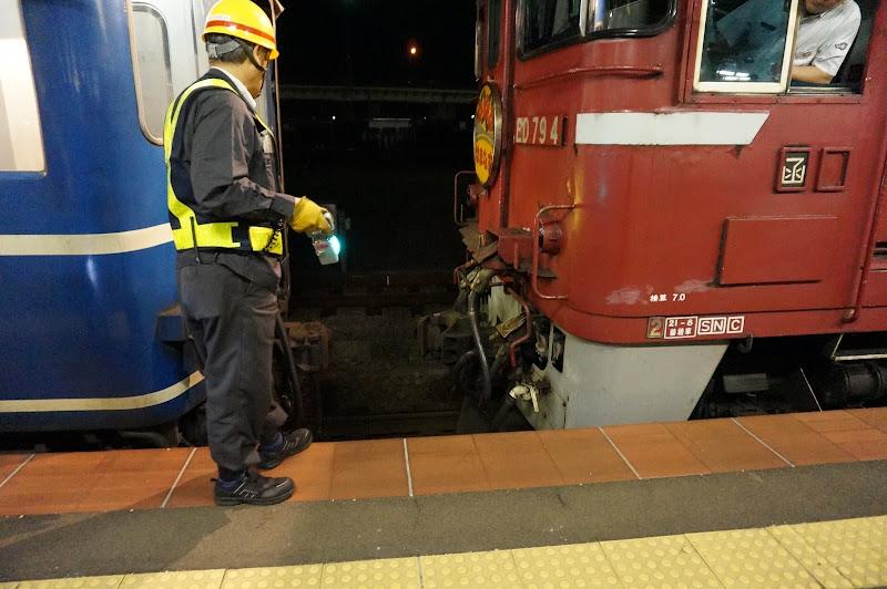 函館駅の急行はまなす連結の様子