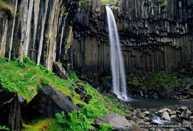 Svartifoss waterfall [2]
