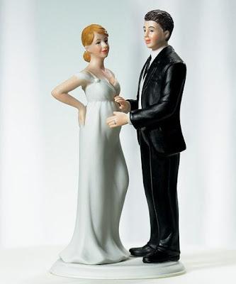 Boneco de noiva grávida para bolo de casamento