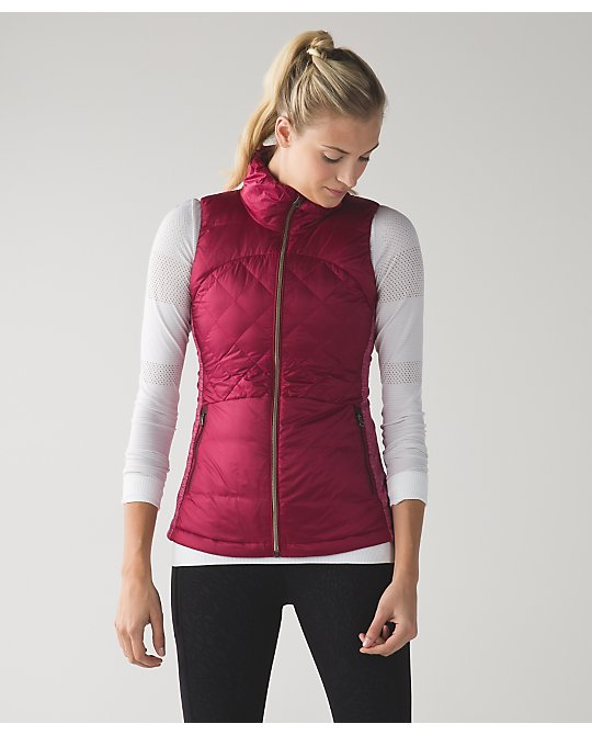 lululemon down-for-a-run-vest berry-rumble