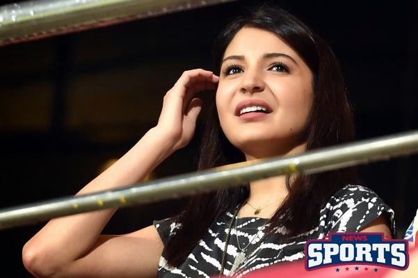 IPL8: Anushka Sharma Cheers Royal Challengers Bangalore