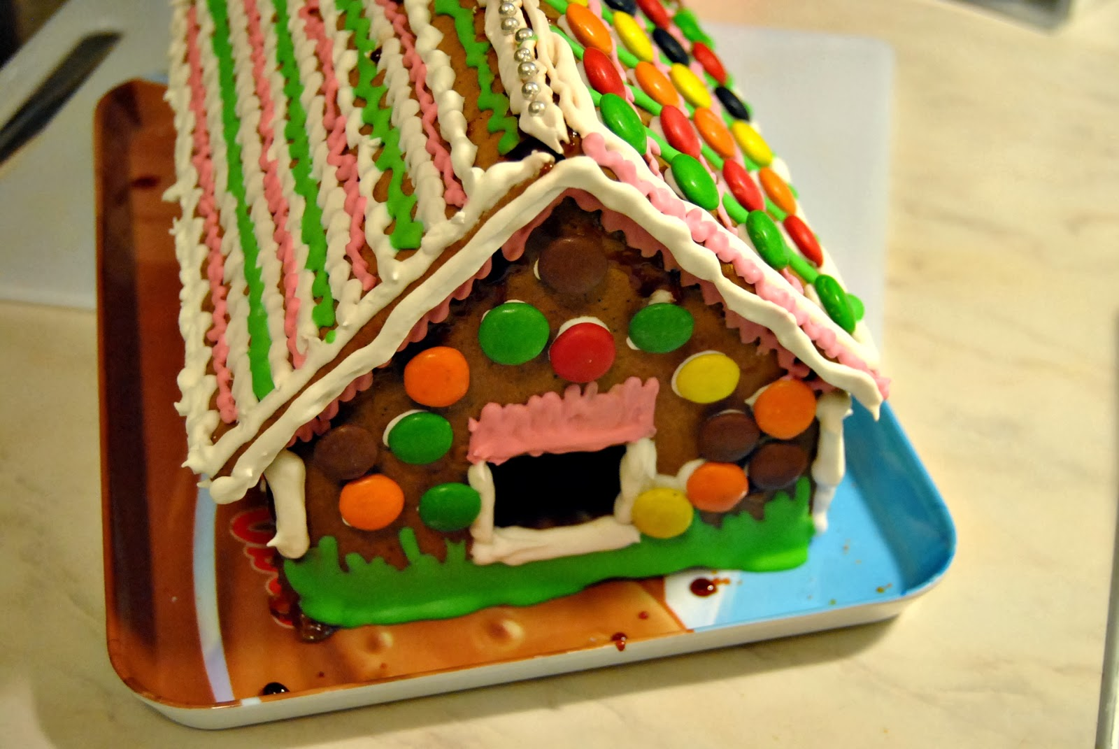 Cupcakelovers christmas gingerbread house decoration ideas for Gingerbread decorations