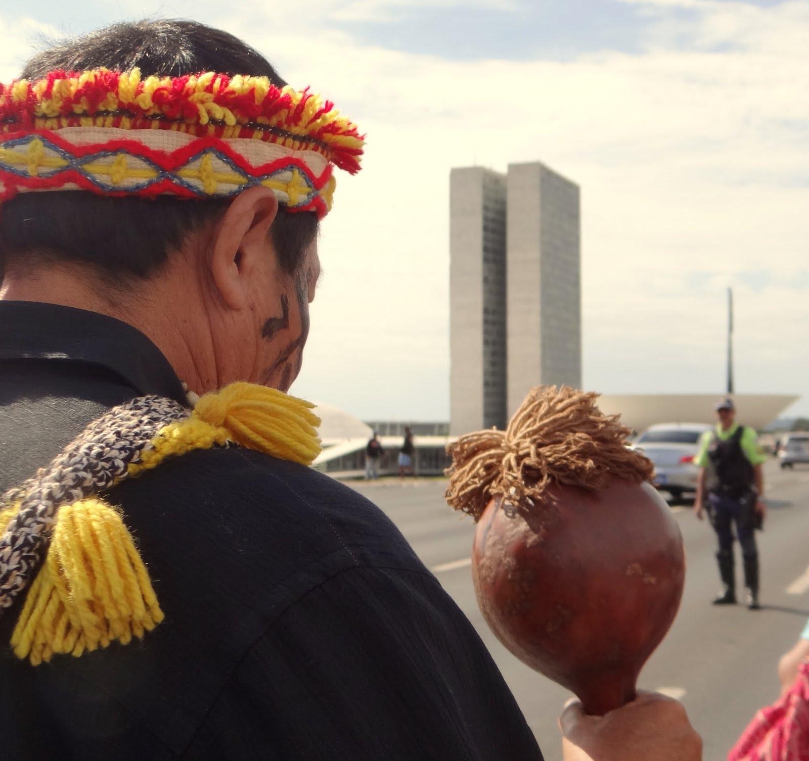 Mobilização Kaiowá Guarani em Brasilia maio 2016