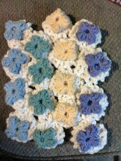 Circular Granny Flower Tutorial - Shades of Safhire - shadesofsafhire.blogspot.com