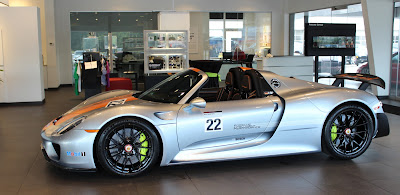 cars and coffee talk 2015 porsche 918 spyder exclusive. Black Bedroom Furniture Sets. Home Design Ideas