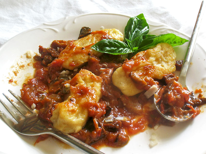 Ricotta Gnudi with Homemade Chunky Tomato Sauce | Lisa's Kitchen ...