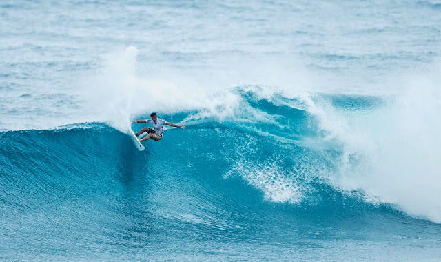 15 Vans World Cup of Sufing 2014 Alejo Muniz Foto ASP