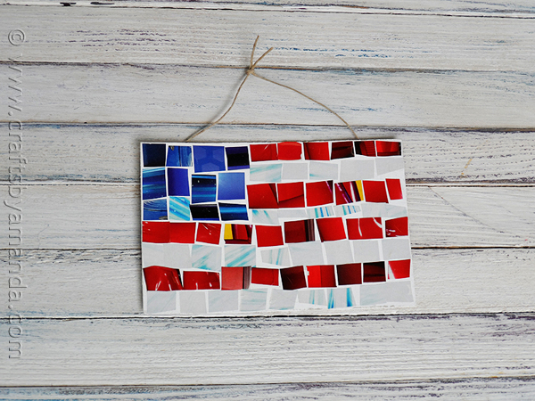 Magazine Mosaic Flag | 20 Crafts for the 4th of July - Independence Day DIYs | directorjewels.com