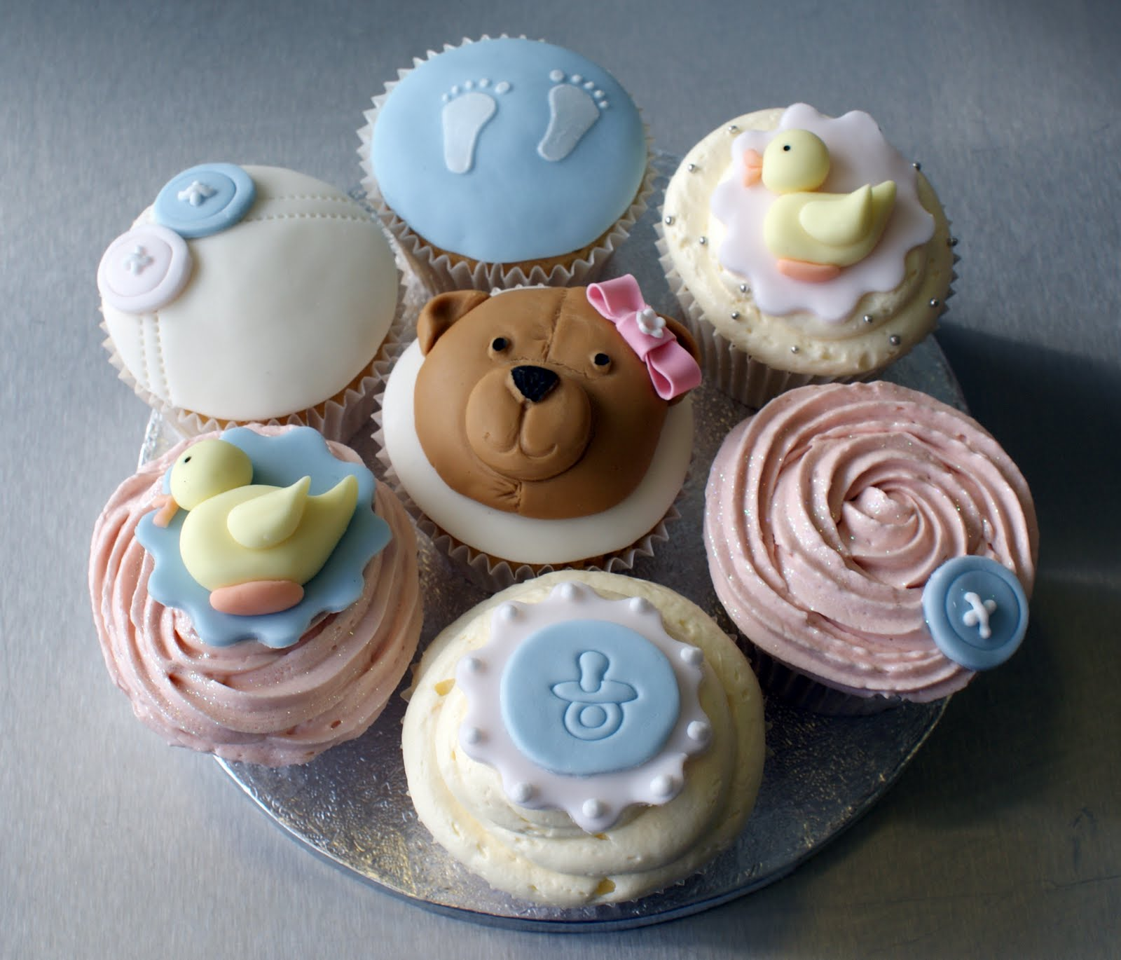 icing bliss babyshower cupcakes