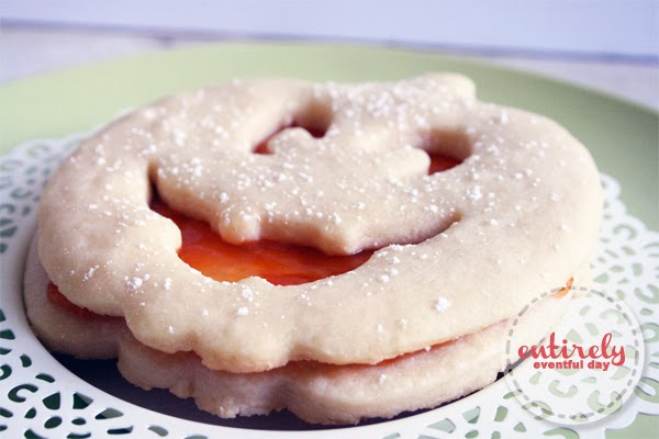 Apricot shortbread cookies. These are seriously amazing. www.entirelyeventfulday.com #recipe #cookies