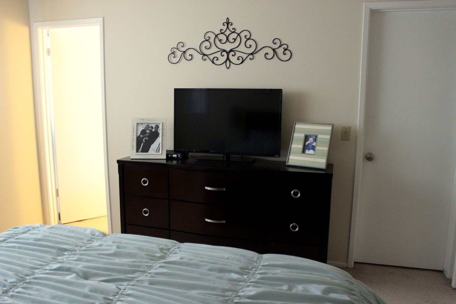 Cool Master Bedroom Makeover