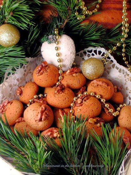 Меню за Коледа рецепта за лесни коледни меденки с какао и портокал