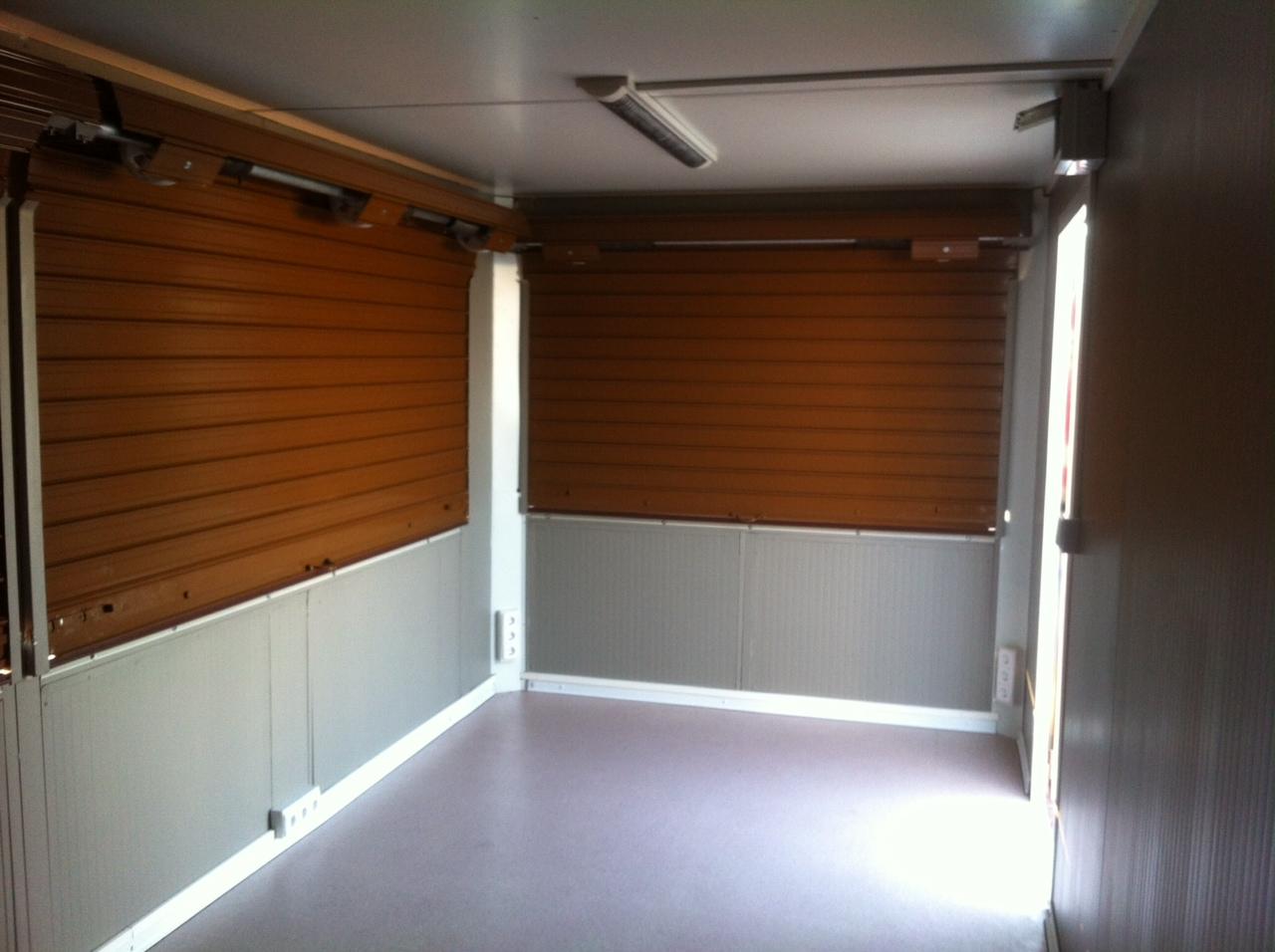 Persianas y puertas manuales y autom ticas pedro reyes for Kioscos bares de madera somos fabricantes