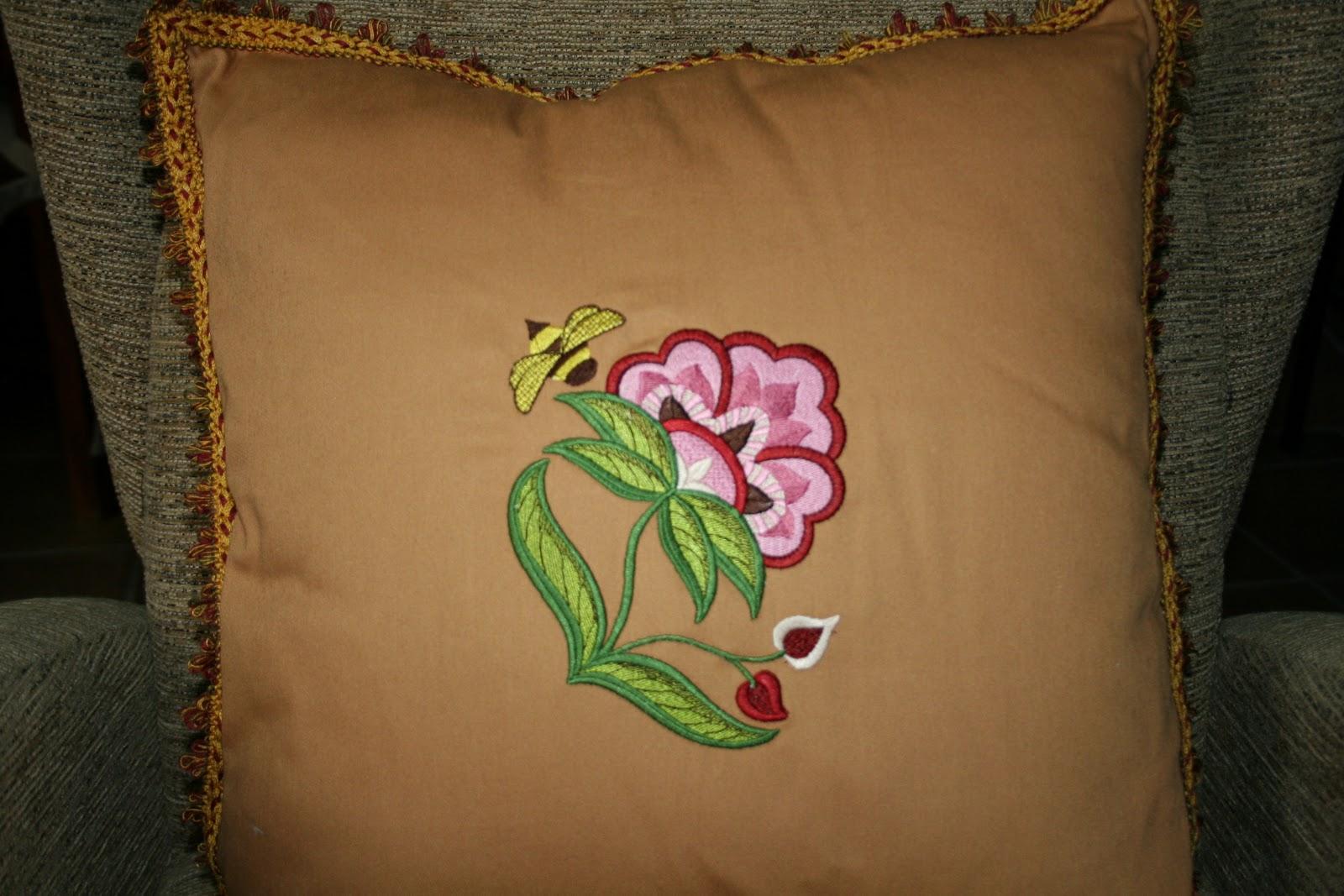 Dibujos para bordar cojines imagui for Cojines con nombres bordados