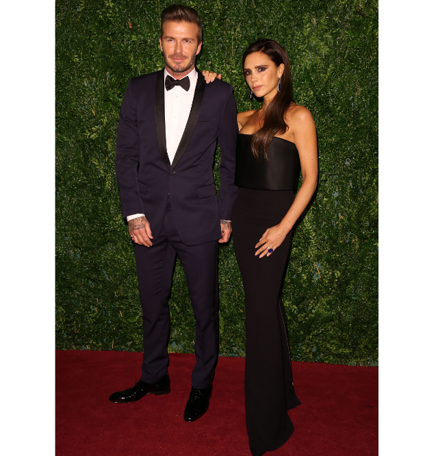 Victoria Beckham y David Beckham en la alfombra roja