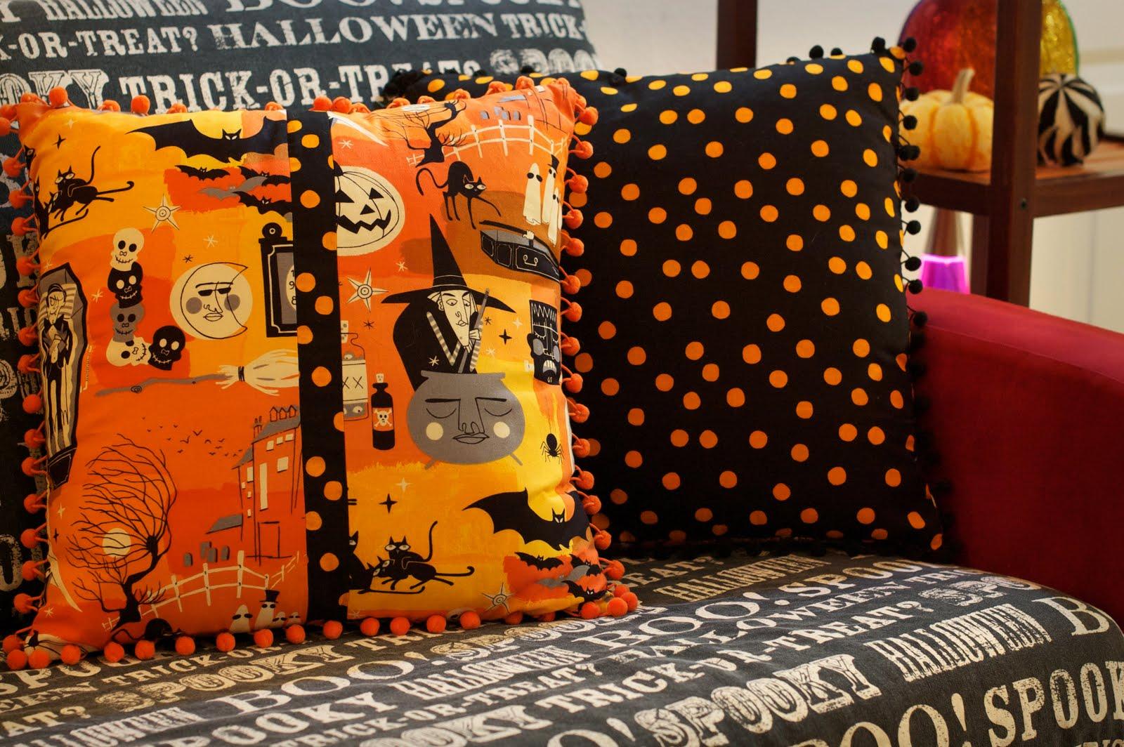 spooky halloween pillows - Halloween Pillows