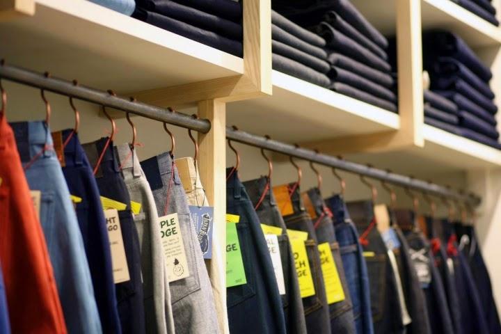 http://retaildesignblog.net/2014/07/16/flaneurs-store-rennes-france/