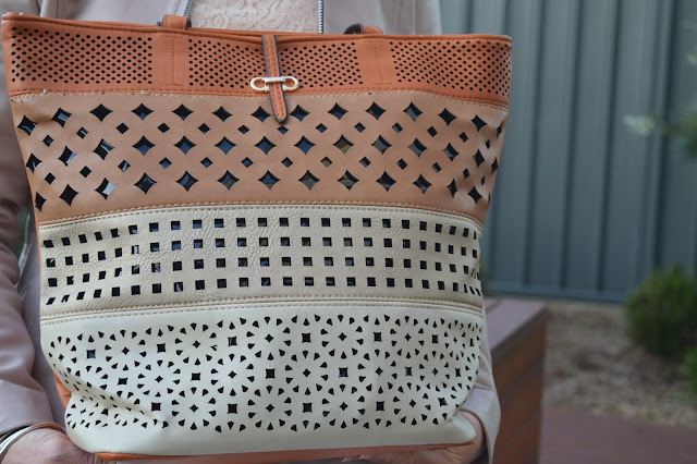 Sydney Fashion Hunter The Wednesday Pants #37 - Sash & Belle Menzies Tote