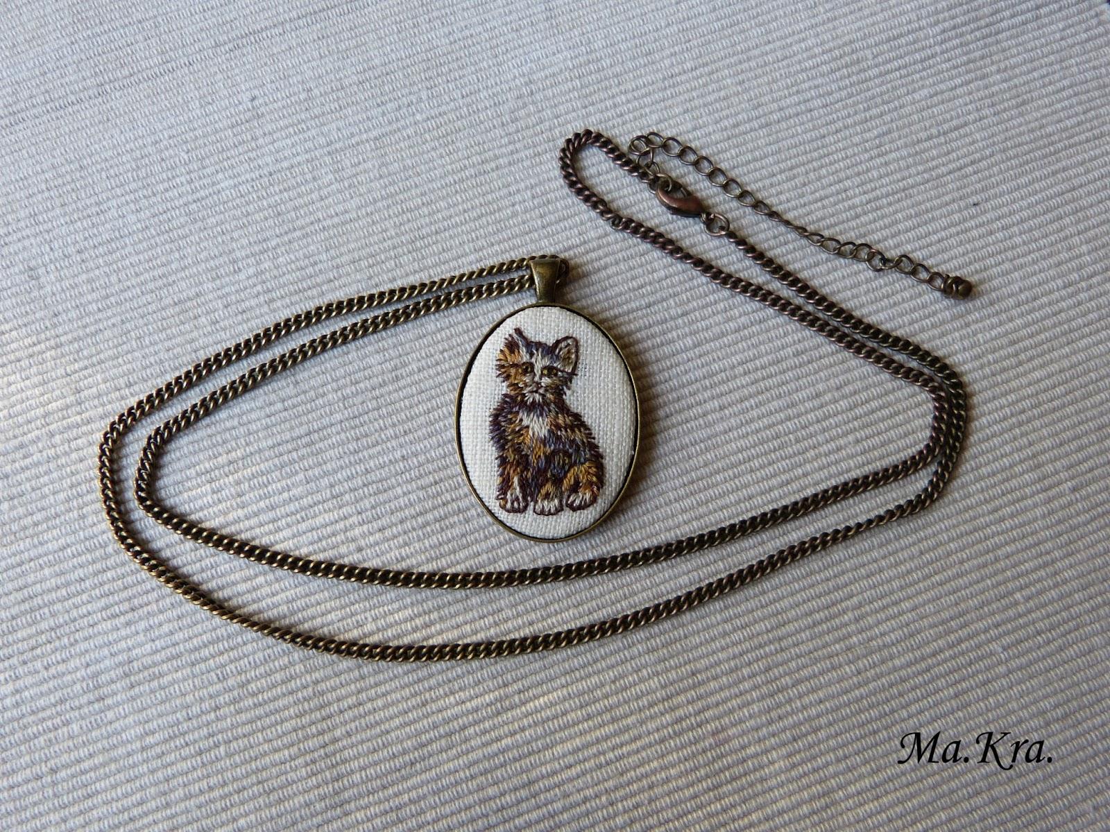 medalion z haftem