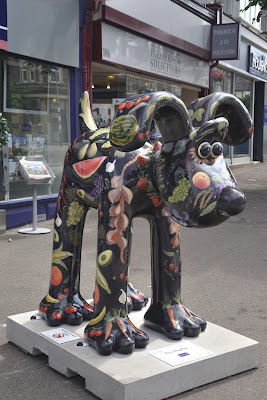 Five a Day Dog Gromit (side view)