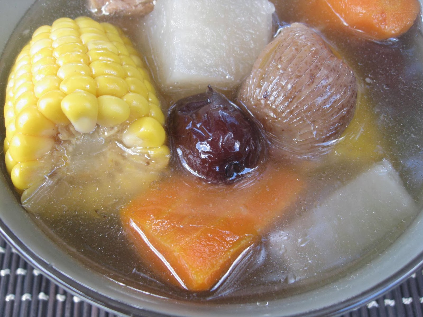 My Asian Kitchen: Sweet Corn,White Radish,Carrot in Pork Soup