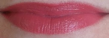 Elizabeth Arden beautiful color lipstick wildberry swatch beauty blog review