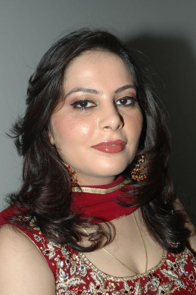 Sexy mature bhabhi woman