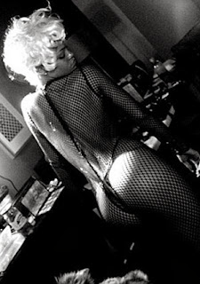 Photos from Rihanna New Video Shoot- - Pour It Up.