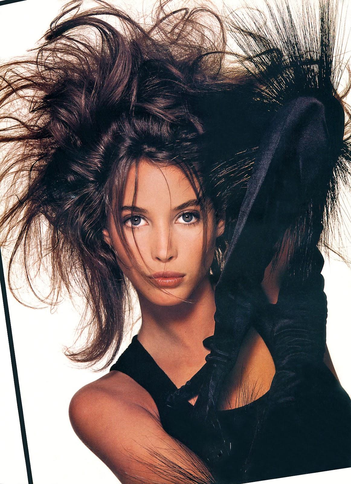 http://2.bp.blogspot.com/-pL9FK67zewU/T3NNu__PhZI/AAAAAAAAGtM/zRPI8xMwcdk/s1600/Christy+Turlington+1987+12+Vogue+Uk+Ph+Patrick+Demarchelier+04.jpg