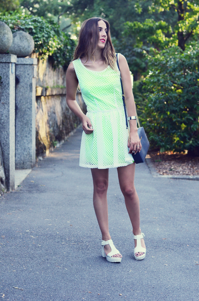 alison liaudat, blog mode suisse, bangbangblond, fashion blogger, switzerland, neon, dress, lipstick, mac