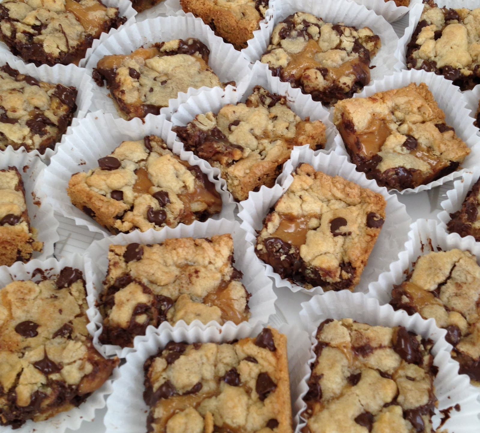 Gourmet Girl: RECIPE: Salted Caramel Chocolate Chip Cookie Bars
