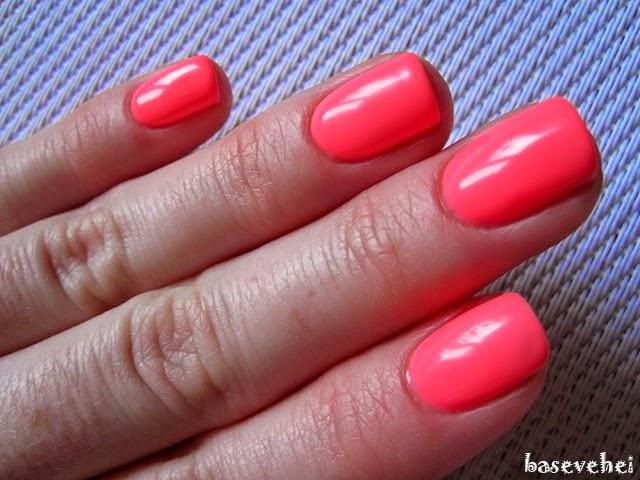 http://baseveheinails.blogspot.com/2014/06/moje-pierwsze-paznokcie-hybrydowe.html