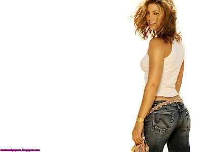 Jessica Biel beautiful figure wallpaper
