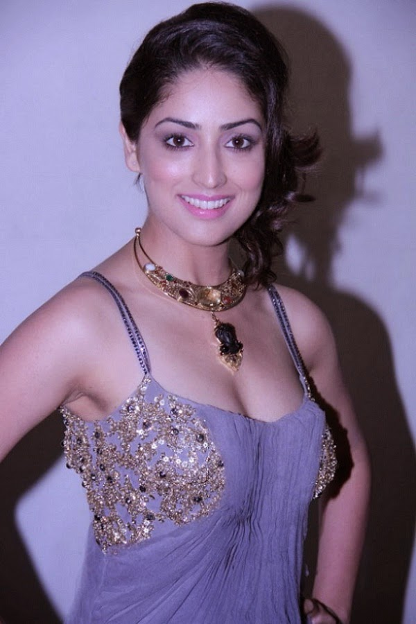 Hot Yami Gautam Desi HD wallpaper