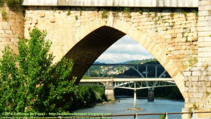 Bonita vista a través de los ojos del Puente Romano de Ourense