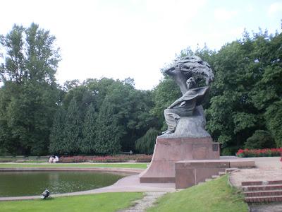 monumento a Chopin parco Lakienki