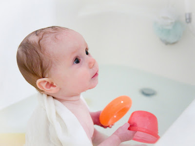 little baby bathing picture