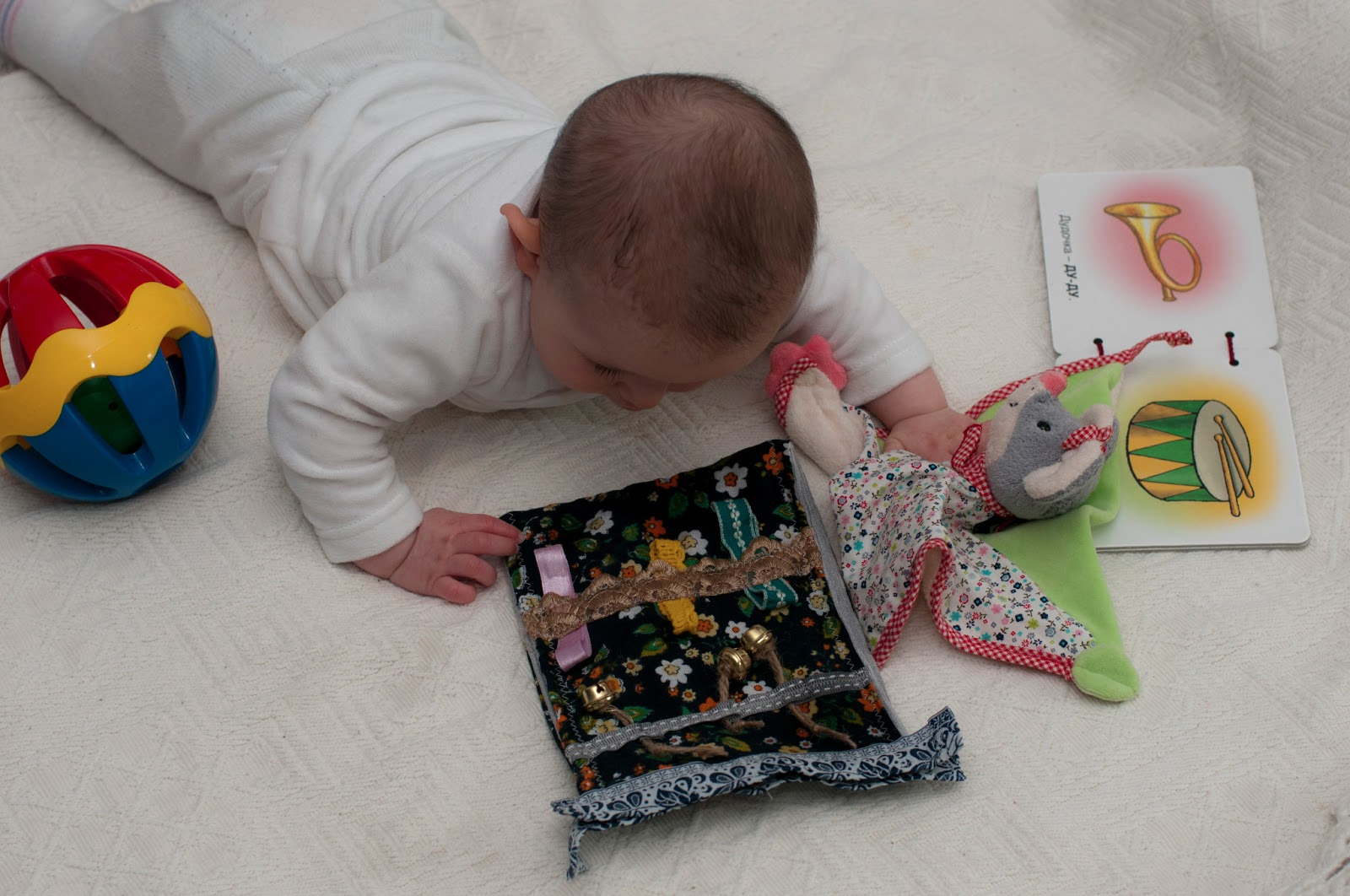 Развивающие игрушки своими руками 7 месяцев
