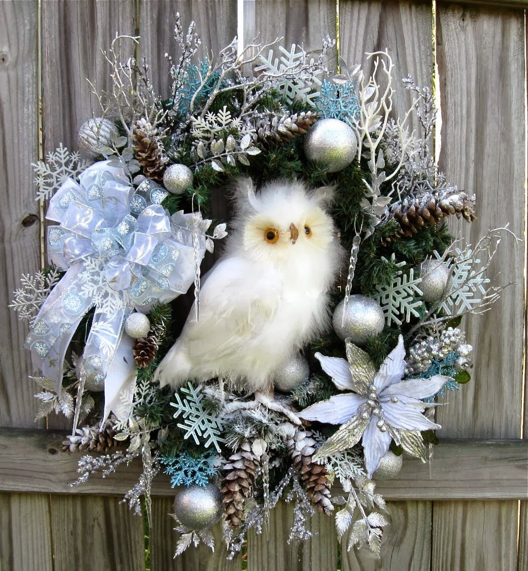 Igw gallery white and silver winter owl christmas wreath - Silver and white christmas ...