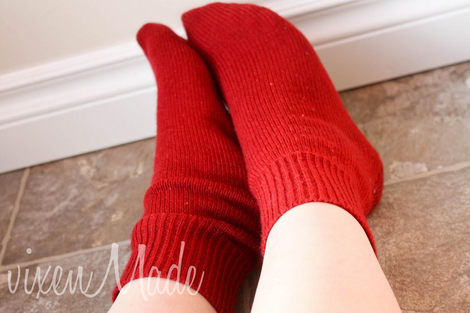 Переделка старого свитера в носки Мастер-класс своими руками 94
