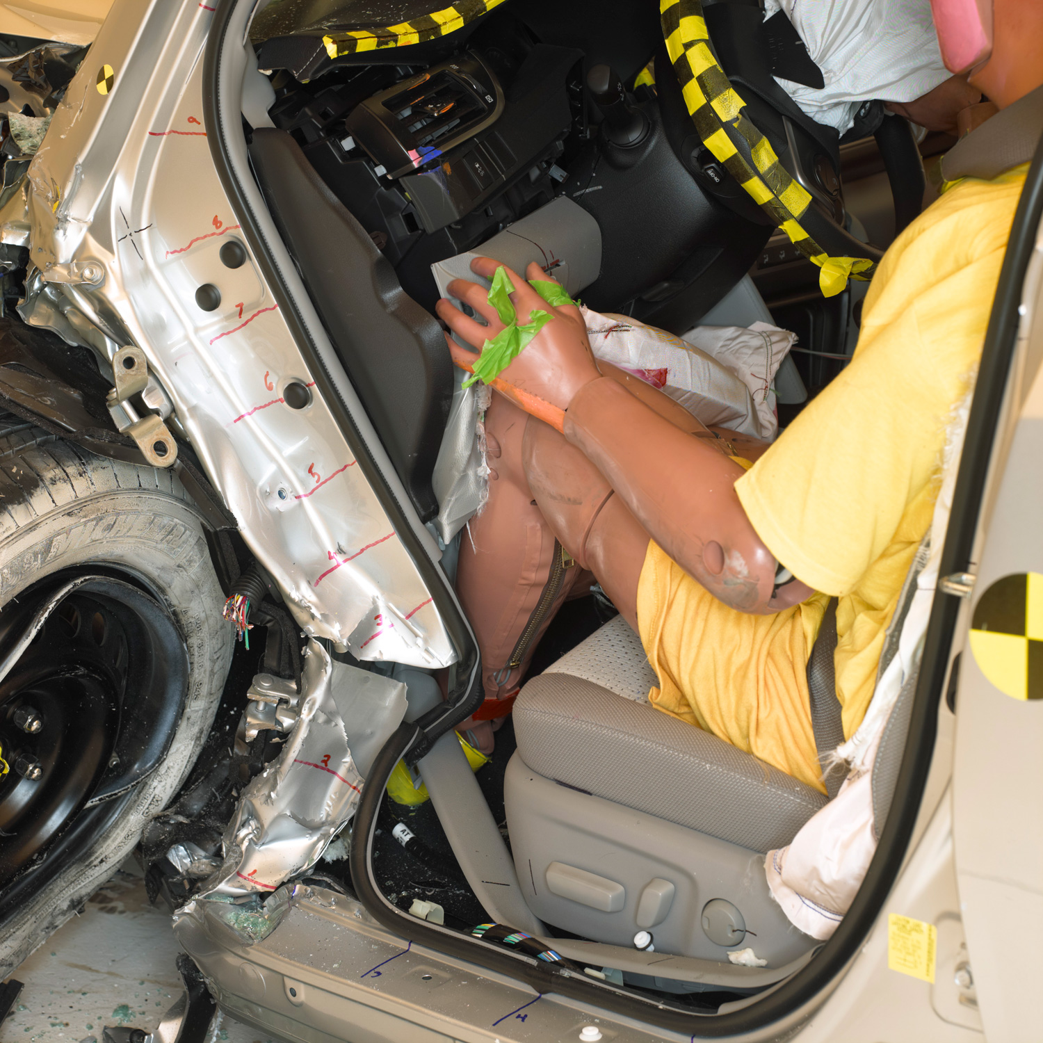2013 Toyota Camry Knee Iihs Offset Crash Test Results Poor